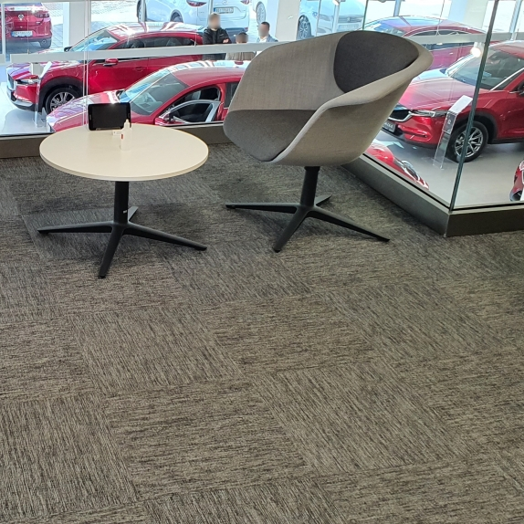 Mazda prodajni salon - Dipem, Novi Beograd