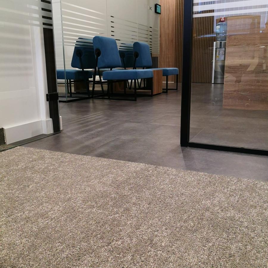 Modularni tepison Marble 70, LVT Authentic Concrete Lead